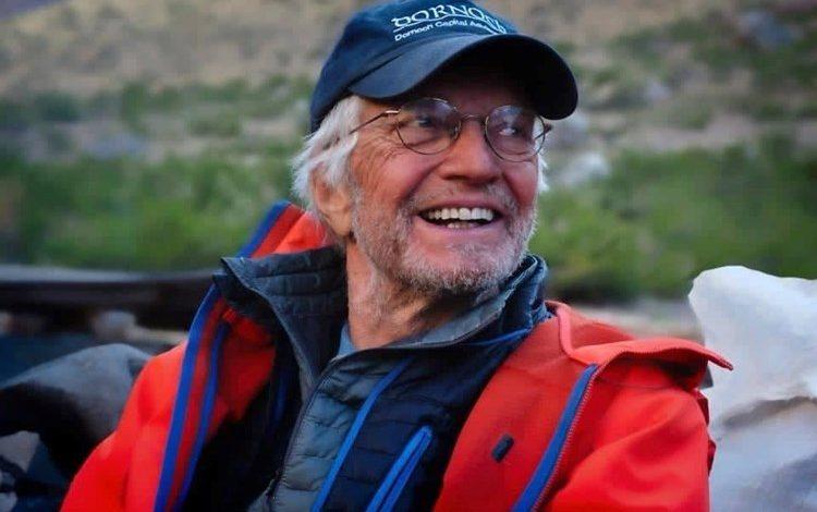 """أول أمريكي مسن ينجح في تسلق """"جبل إيفرست"""""""